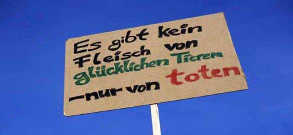 18 01 2014 Mitte Potsdamer Platz Berlin Protestschild Schild Protest Protestschild Massenti